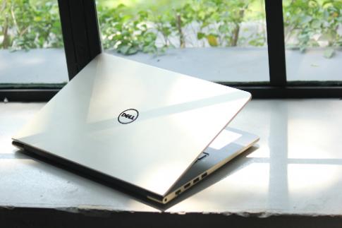 Laptop Dell Vostro 5459 cho gioi tre nang dong
