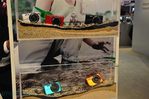 Máy ảnh chống thấm nước và chống sốc của Samsung