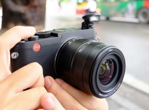 May anh Leica X Vario gia gan 70 trieu dong tai VN