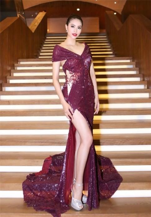 Mĩ nhân Việt đọ sắc với váy áo màu đỏ rượu sang trọng, tinh tế