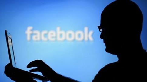 """Nhieu nguoi dung """"tho o"""" voi Facebook vi phai su dung ten that"""