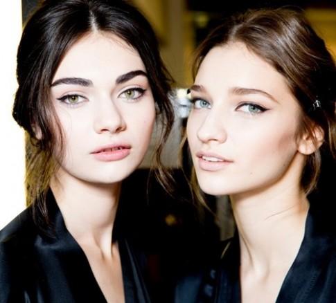 Những lỗi tạo dáng phổ biến khiến lông mày trông xấu tệ