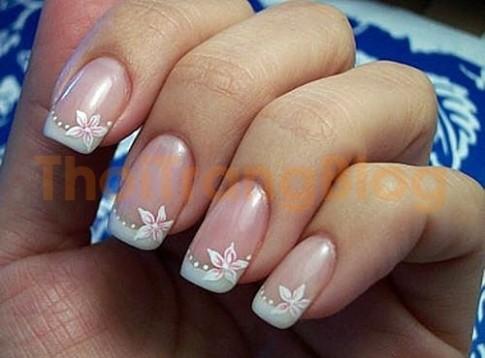 Nhung mau nail mong tay hoa van dep 2016 don gian cuon hut