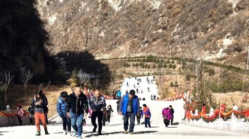 Nữ phượt thủ quyết tâm lên được đỉnh cao nhất của dãy Hoa Sơn - phần 2