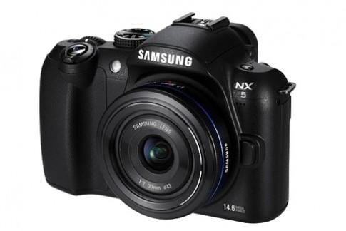 Samsung bat ngo gioi thieu NX5 tai Duc