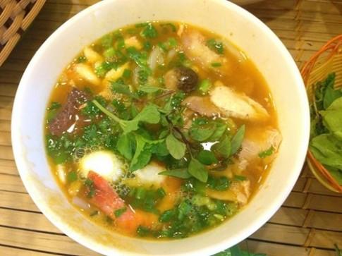 Sau bun hai san Be Be lai den Banh canh Ghe Ut Coi Quang Trung