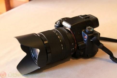 Sony Alpha A58 trang bi cam bien 20 megapixel