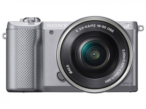 Sony gioi thieu may anh thay ong kinh nhe nhat the gioi