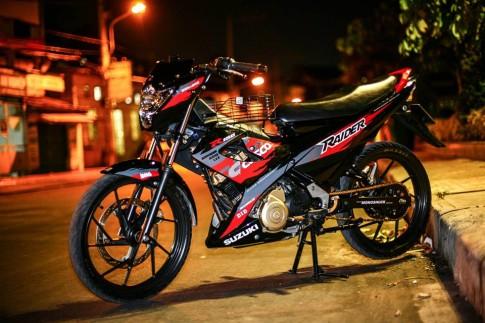 Tap tanh choi Suzuki raider cui bap
