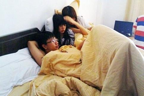 Thanh pho ky la: Dan ong thoai mai 'bat ca nhieu tay'