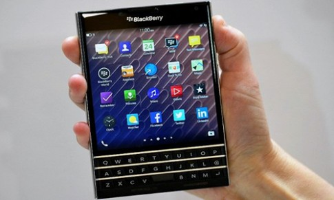 Thua nhan that bai, BlackBerry tu bo nen tang BB10