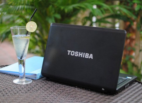 Toshiba ra ban Satellite Pro C640-1067U