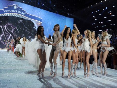 Victoria's Secret chi 12 trieu USD cho show 2013