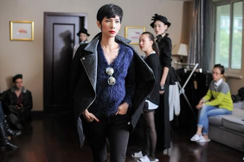 Xuan Lan chi dao catwalk show Kelly Bui o Thuong Hai