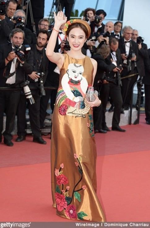 Angela Phuong Trinh bi nham lan voi Duong Tu Quynh tren tham do Cannes