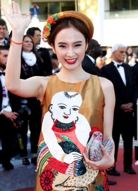 Angela Phương Trinh diện váy tranh Đông Hồ đến Cannes
