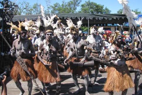 Bộ lạc 'coi trời bằng vung' ở Indonesia