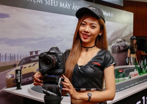 Canon 1D X Mark II về VN giá 129 triệu đồng