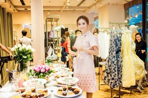 Dương Trương Thiên Lý đẹp rạng rỡ tại sự kiện của MAX