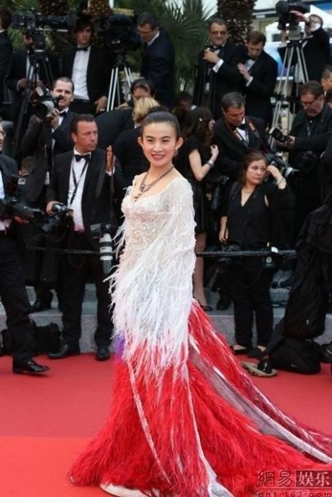 """Sao hang A the gioi cung bi """"duoi"""" khoi tham do Cannes"""