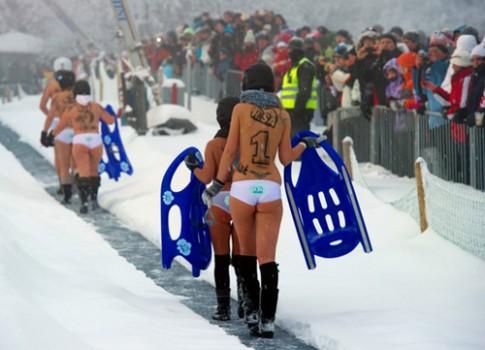 Thế giới nóng bỏng cùng các lễ hội khỏa thân
