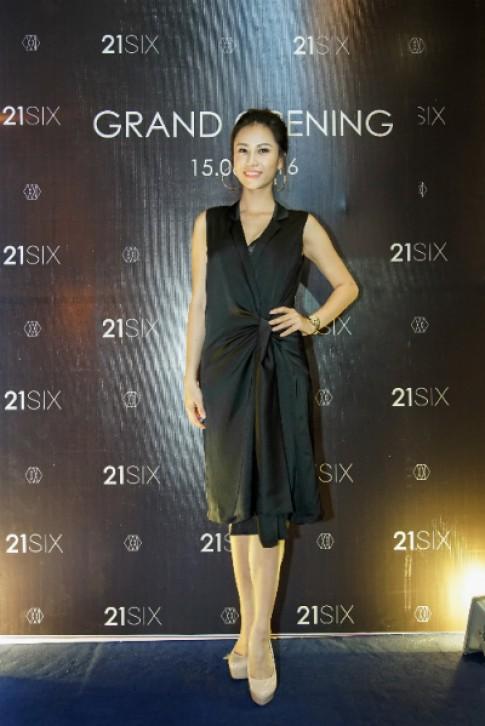 21SIX - thời trang hiện đại có mặt tại Sài Gòn