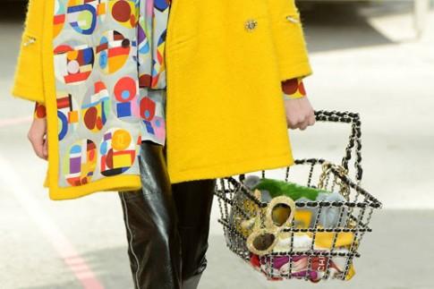 """5 mẫu túi đáng """"thèm"""" từ show Chanel"""