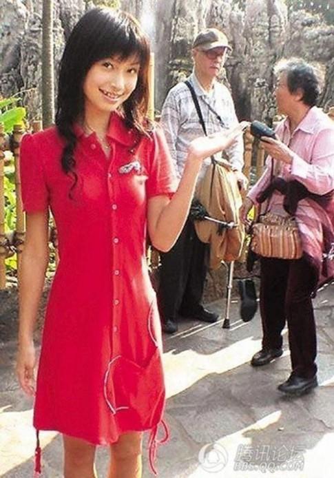 'Angela Baby khong make-up xau vo cung'