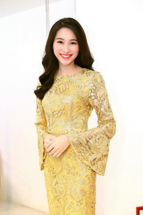 """Dang Thu Thao """"uom thu"""" do Do Manh Cuong"""