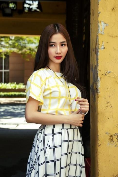 Diem My 9X mac vay 'nhai' cua Pham Bang Bang