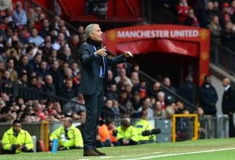 "Diem tin bong da: Mourinho da tu choi 5 ""Ong lon"" de den MU"
