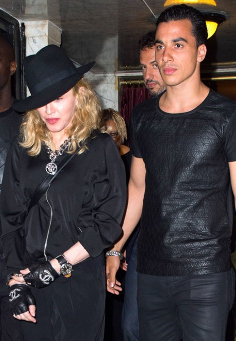 "Eva ""soi"" 20/8: Madonna yeu bo tre hon 30 tuoi"