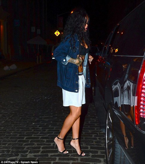 "Eva ""soi"" 31/7: Rihanna mac noi y ra pho"