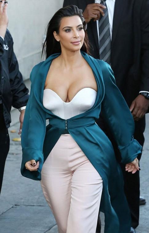 """Eva """"soi"""" 5/8: Kim Kardashian o ep vong 1"""