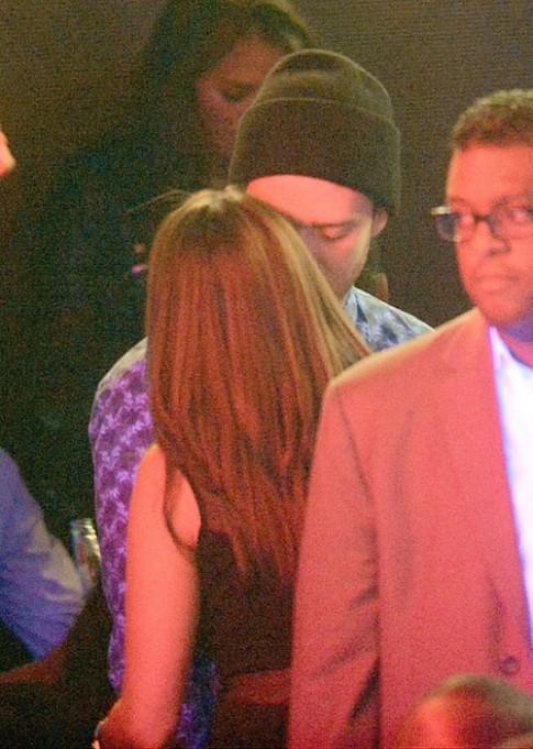 """Eva """"soi"""" 5/9: Justin Timberlake ngoại tình"""