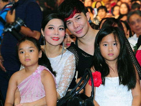 Ha Ho 'met moi', Ngo Thanh Van kem xinh