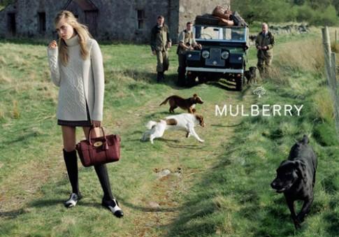 Mulberry sap cho ra dong tui moi hop tac cung Cara Delevingn
