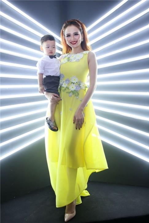 """Ngo Thanh Van chi trich Ky Duyen, Phuong Trinh vi """"gio day thun""""?"""