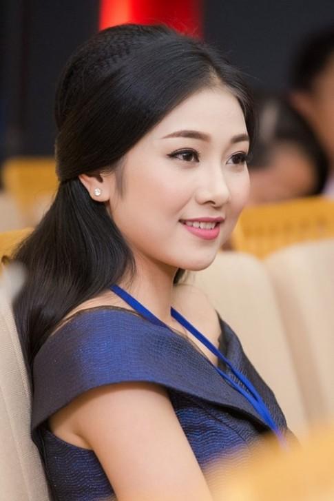 Nhung ban sao nhu duc dan chi tai Hoa hau Viet Nam 2016