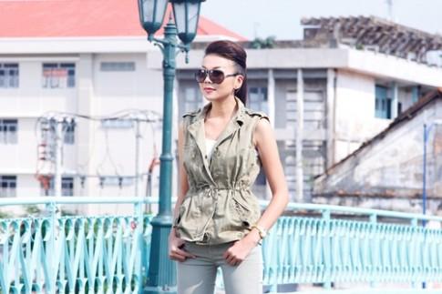 """Thanh Hang """"chuan men"""" huong dan hoc tro catwalk"""