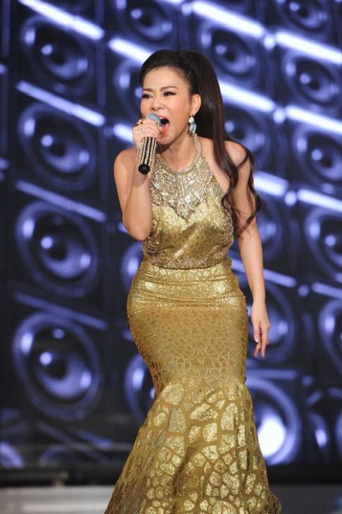 Thu Minh chi 700 trieu hang hieu cho Liveshow
