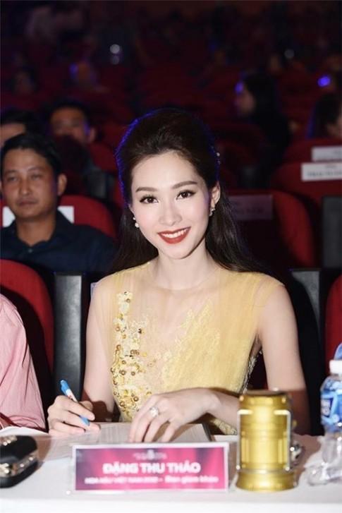 Thu Thao long lay di tim chu nhan moi cho vuong mien Hoa hau Viet Nam