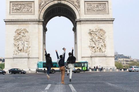 Top 3 Project Runway thăm thú Paris