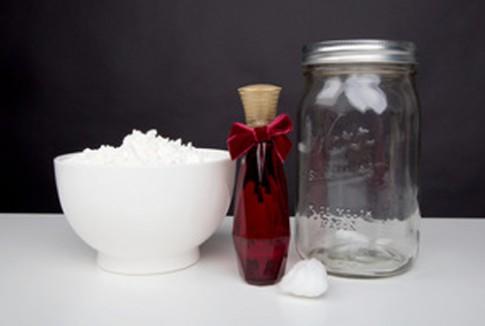 Tự chế phấn thơm từ bột ngô