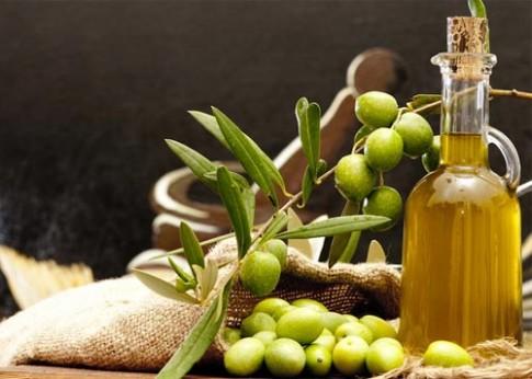 6 công dụng làm đẹp hiệu quả của dầu oliu
