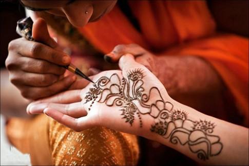 An hoa khon luong tu hinh xam Henna