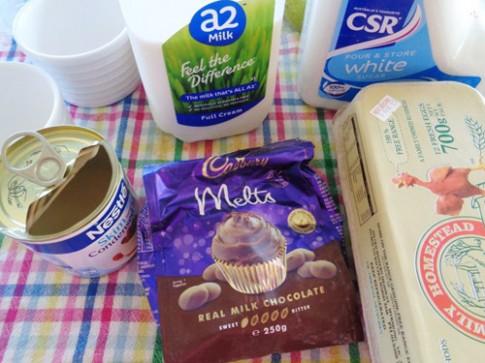 Bánh flan sô cô la láng mịn, thơm ngon
