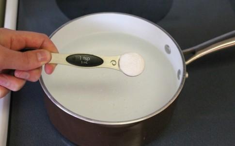 Cách luộc và bóc vỏ trứng hoàn hảo