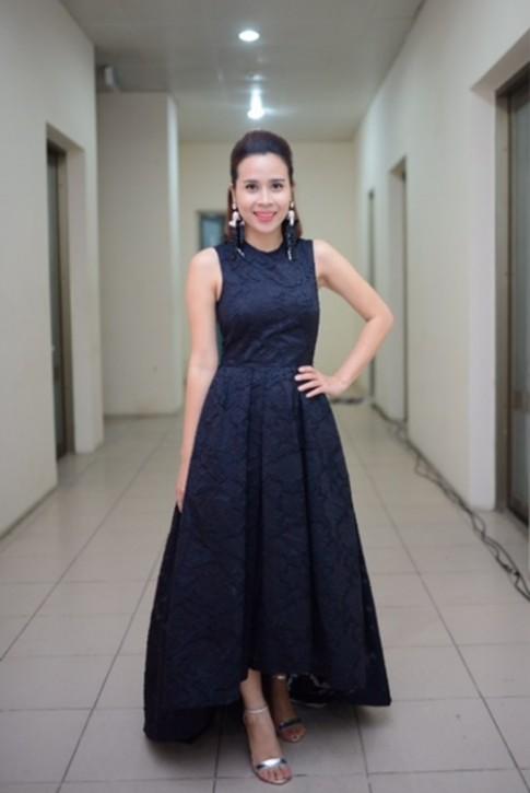 """""""Chấm điểm"""" khi Lưu Hương Giang đụng váy Miranda Kerr"""