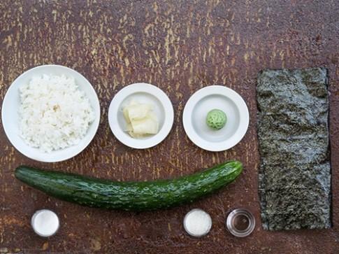 Chi vai phut la xong sushi dua chuot